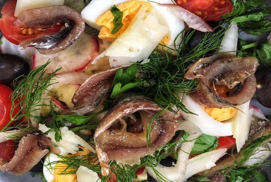 Anchois d'oignon et basilic
