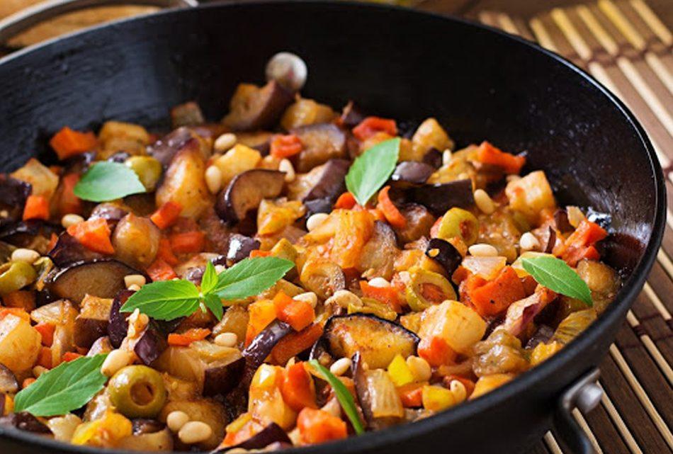 Aubergine au tomate et olives